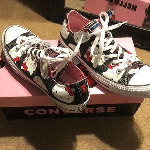 Hello Kitty low top Converse